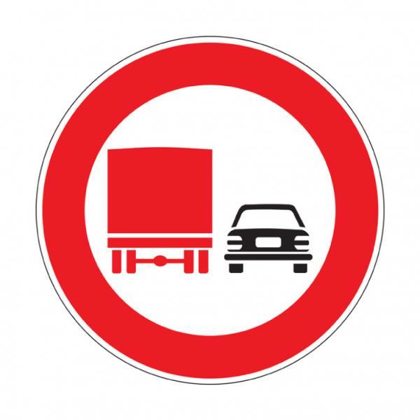 Divieto di sorpasso per i veicoli di massa a pieno carico superiore a 3,5 t