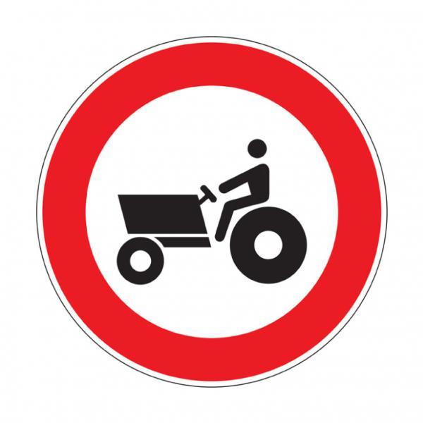 Transito vietato alle macchine agricole