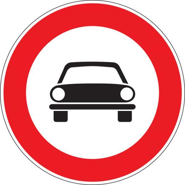 Transito vietato a tutti gli autoveicoli