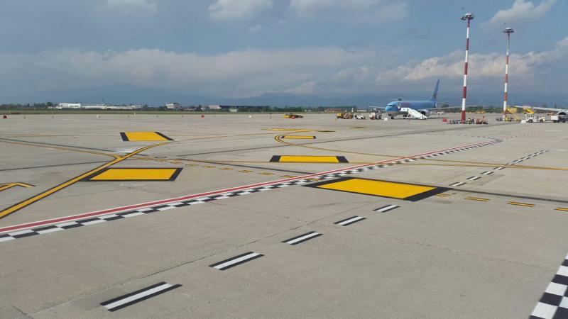 Segnaletica aeroportuale, foto alcuni lavori